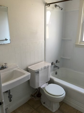 408 Springville 2 Beds Apartment for Rent Photo Gallery 1