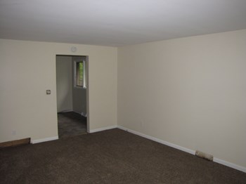 89 E. Summerset 2 Beds Apartment for Rent Photo Gallery 1