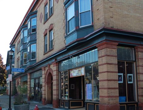 Lexington Avenue Apartments Community Thumbnail 1