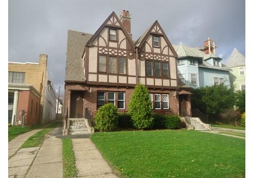 Elmwood Avenue Apartments Community Thumbnail 1