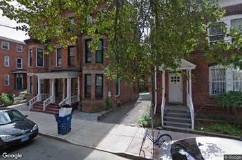 37 Lynwood Place Studio Apartment for Rent Photo Gallery 1