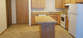 3550 South 17Th Street Studio Apartment for Rent Photo Gallery 1
