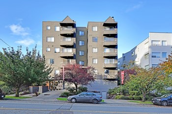 3236 SW Avalon Way 1-2 Beds Apartment for Rent Photo Gallery 1
