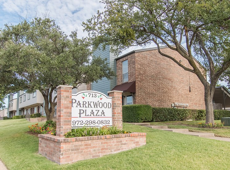 Property Signage at Parkwood Plaza Apartments in Duncanville, Texas, TX