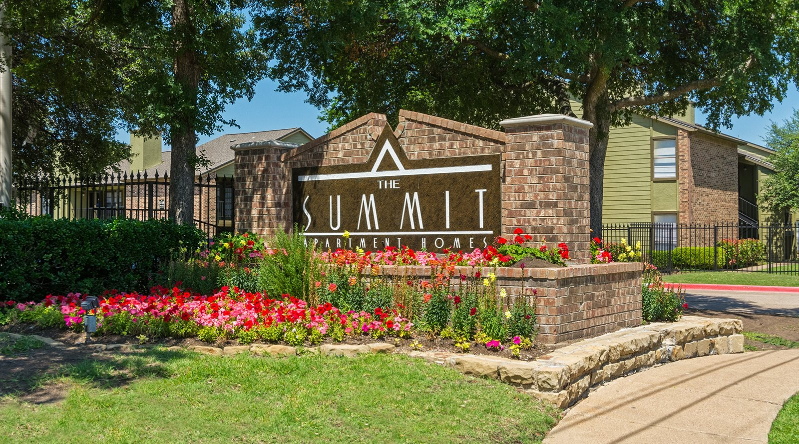 The Summit Apartments | Apartments in Mesquite, TX