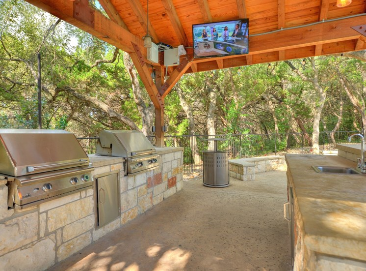 Grilling Station at Nalle Woods Apartments in Austin, Texas
