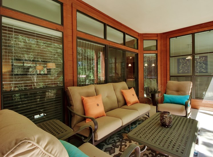Outdoor Lounge at Nalle Woods Apartments in Austin, Texas