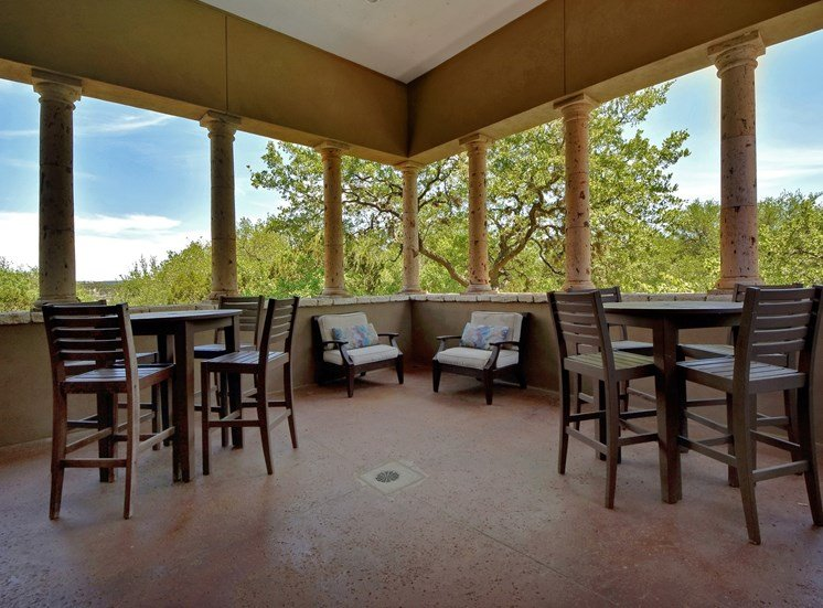 Outdoor Seating at Nalle Woods Apartments in Austin, Texas