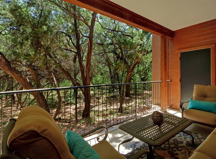 Patio Seating at Nalle Woods Apartments in Austin, Texas