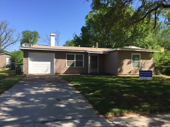 601 Brookfield Drive 4 Beds House for Rent Photo Gallery 1