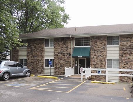 Lakeview Village Apartments Community Thumbnail 1