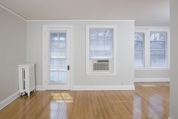 4724 Davenport Studio 2 Beds Apartment For Rent Photo Gallery 1