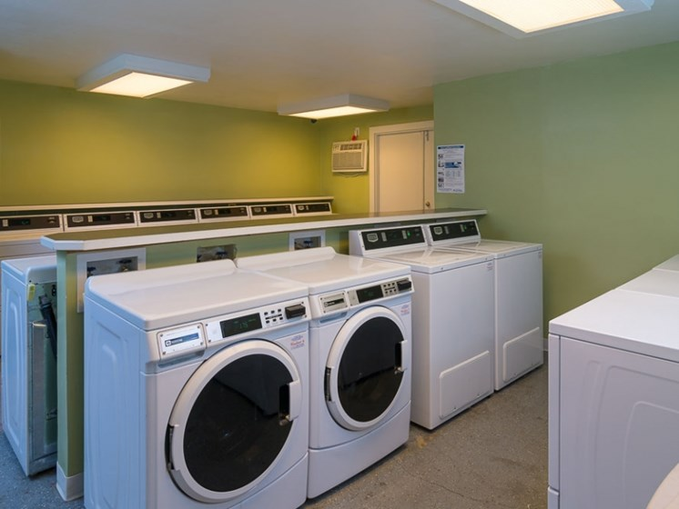 laundry facilites Central Pointe Apartments in Boise ID