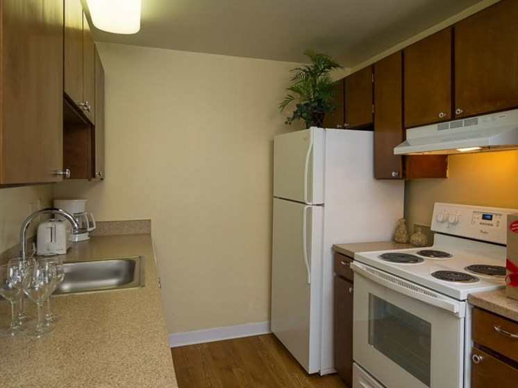 fully equipped kitchen at Central Pointe Apartments in Boise ID