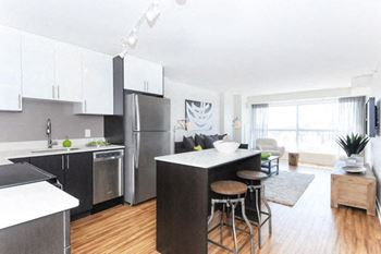 207 Bell Street North Studio 3 Beds Apartment For Rent Photo Gallery 1