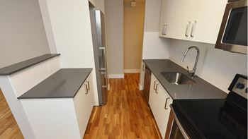 3008 Queen Street East 2 Beds Apartment for Rent Photo Gallery 1