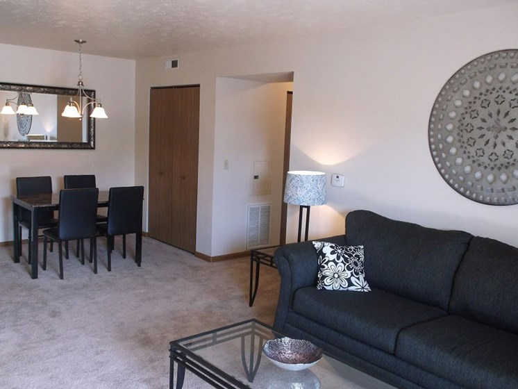 Apartment Living and Dining at Covington Square, Valparaiso, 46383