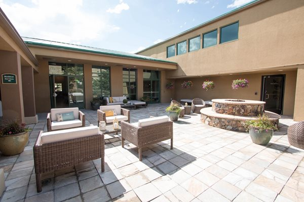 Beautiful Courtyard With Firepit at Ashford Belmar