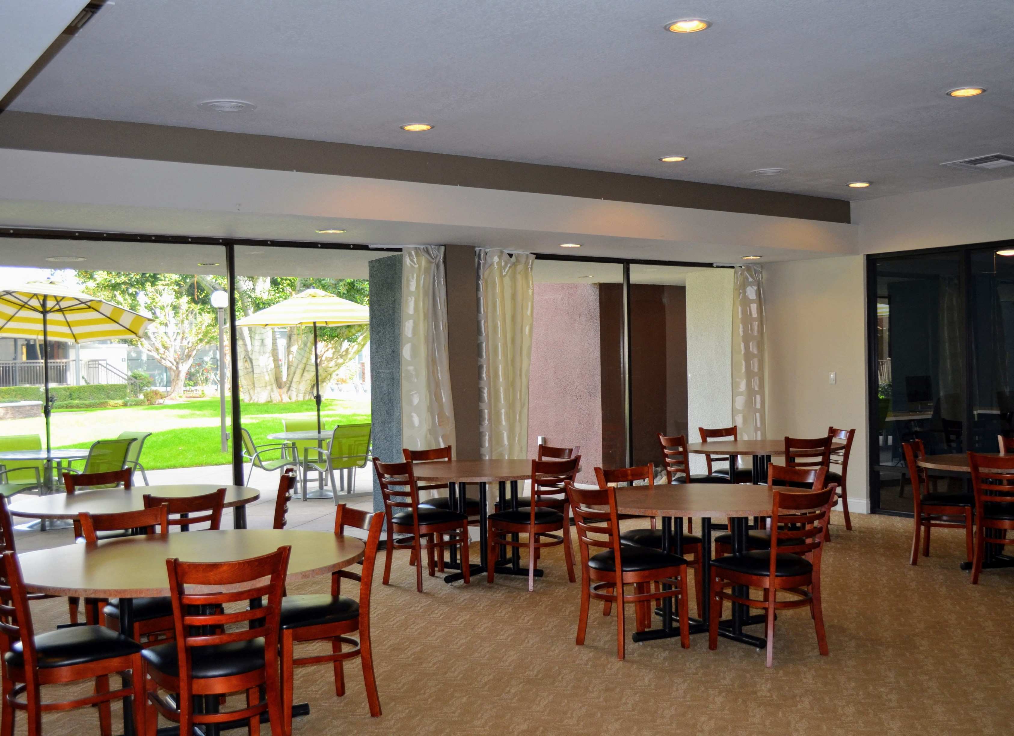 Clubhouse With Banquet At Madison Park Apartment Homes, Anaheim, California