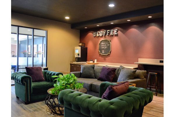 Renovated Coffee Lounge at Madison Park Apartment Homes, CA, 92804