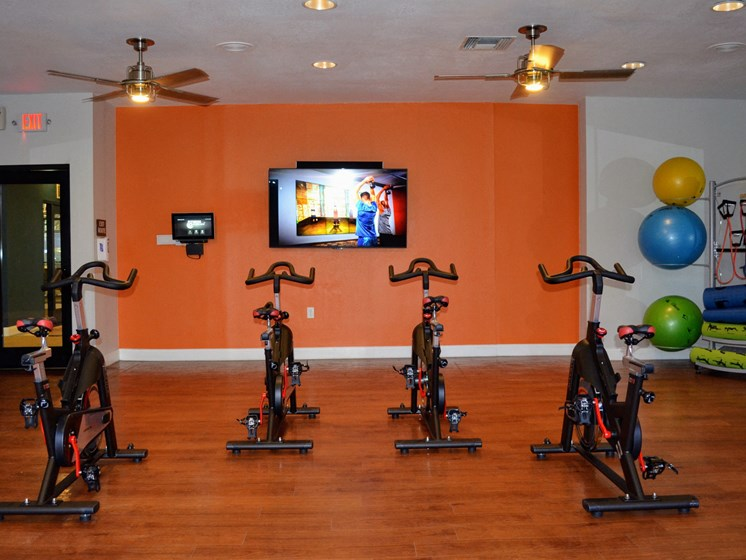Fitness Center with Cardio Equipment And Free Weights at Madison Park Apartment Homes, Anaheim, 92804