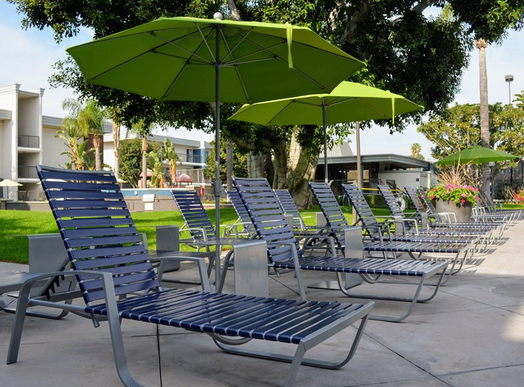 Shaded Lounge Area by Pool at Madison Park Apartment Homes, CA, 92804