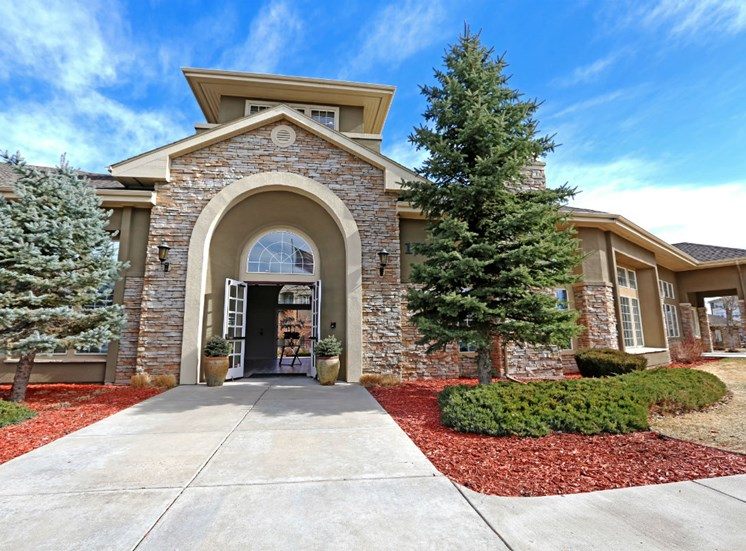 Grand Entry Porte-Cochere at Ranchstone Apartments, CO 80134