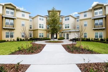 302 Parkland Circle #101 1 Bed Apartment for Rent Photo Gallery 1