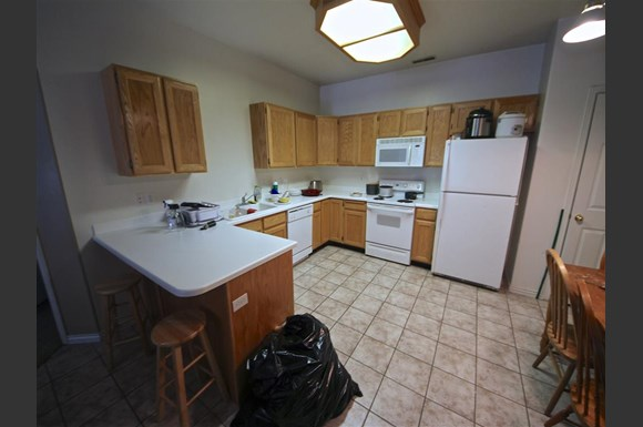 Belmont #350 - BYU Men's Priv Rms Apartments, 405 North ...