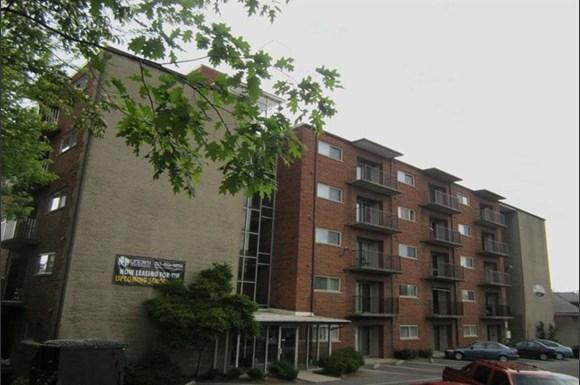 Clifton House Apartments Deckebach Avenue Cincinnati Rentcaf