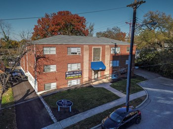 130 E Shields Street & 129 Louis Avenue 1-5 Beds House for Rent Photo Gallery 1