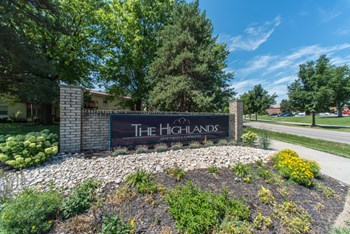 6615 Fountains Blvd 1-3 Beds Apartment for Rent Photo Gallery 1