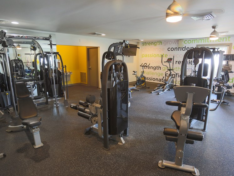24/7 Fitness Facility at Sterling Beaufont Apartments