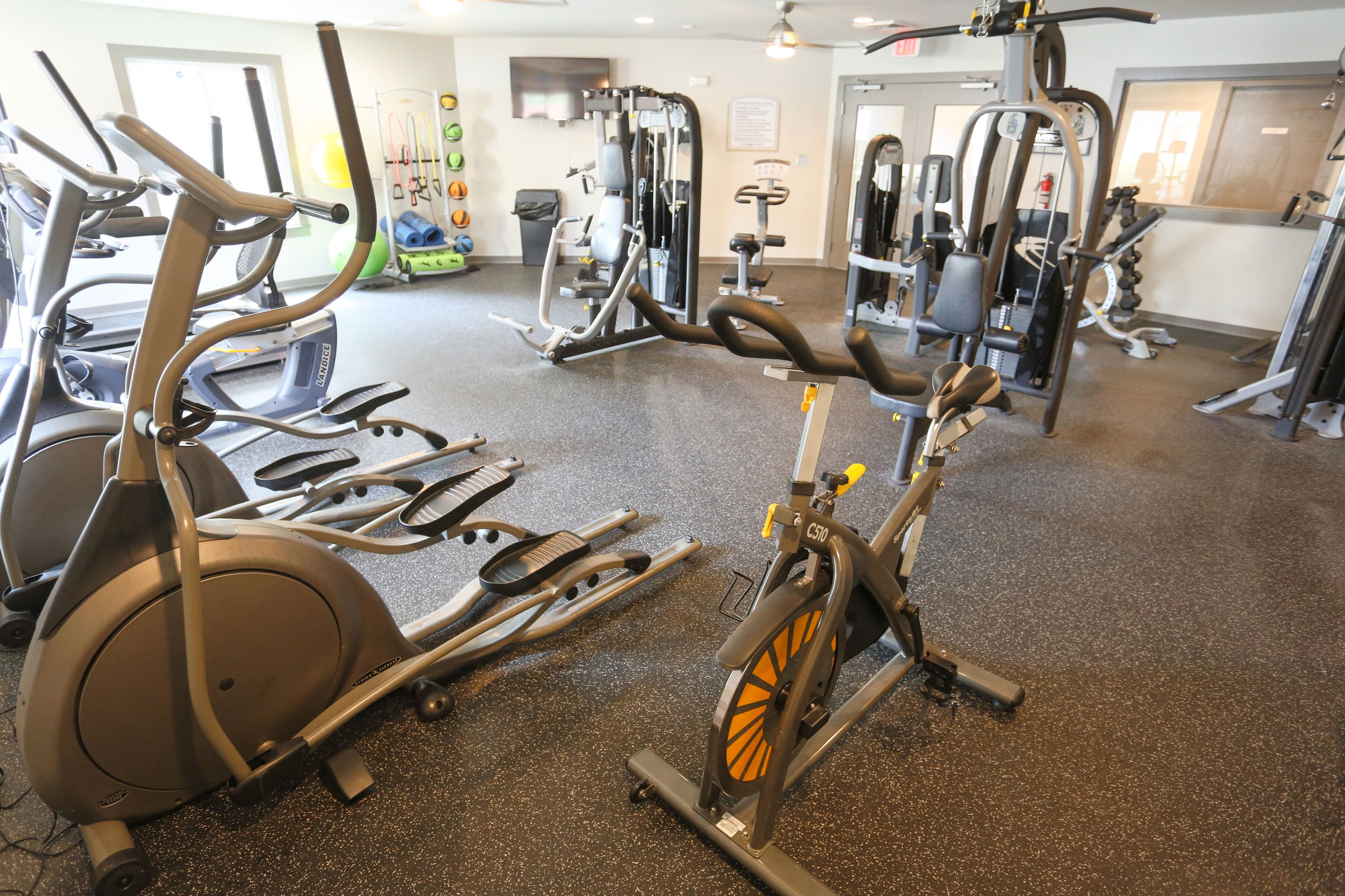 On-site Gym at Sterling Beaufont Apartments