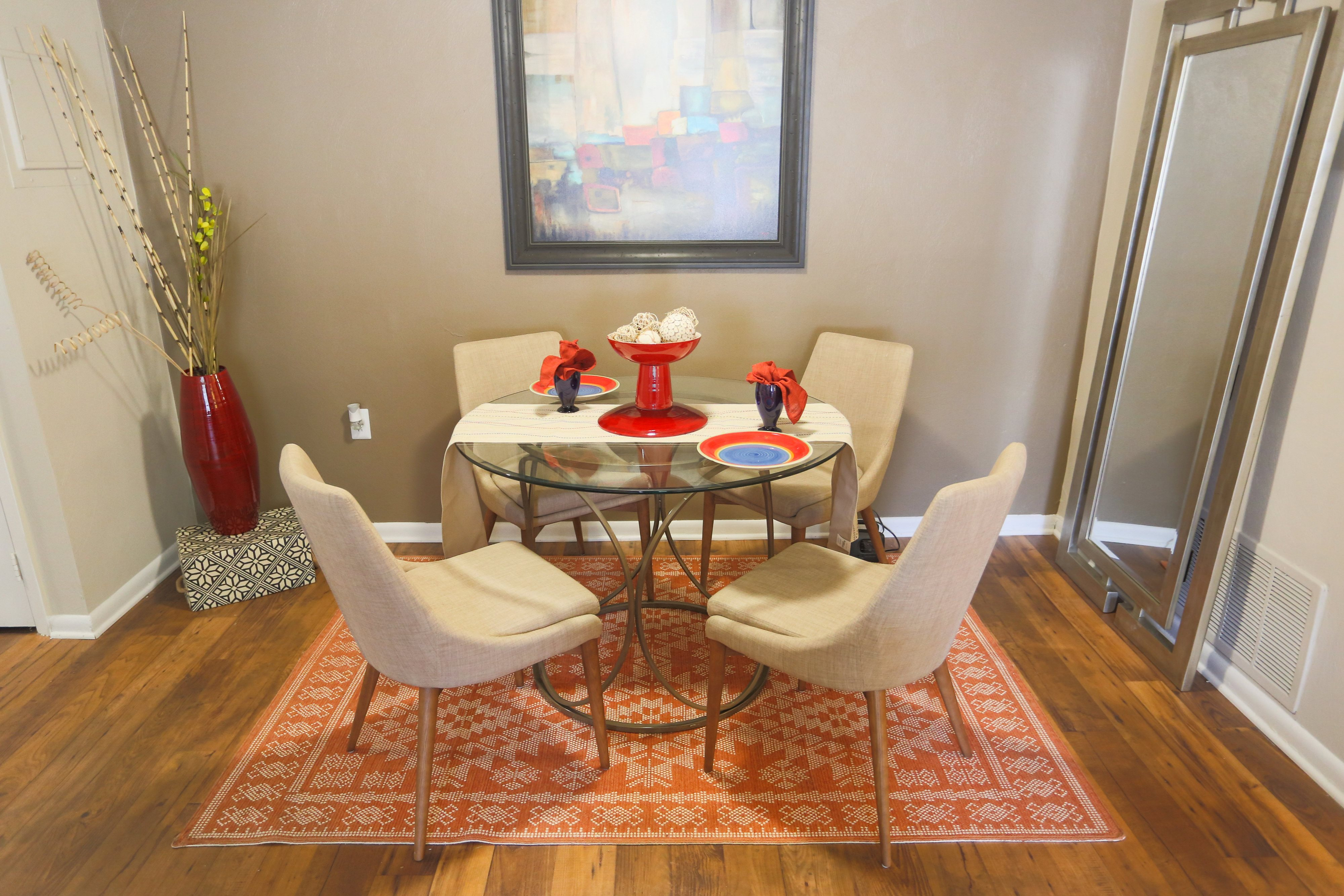 Dining Area at Sterling Beaufont Apartments