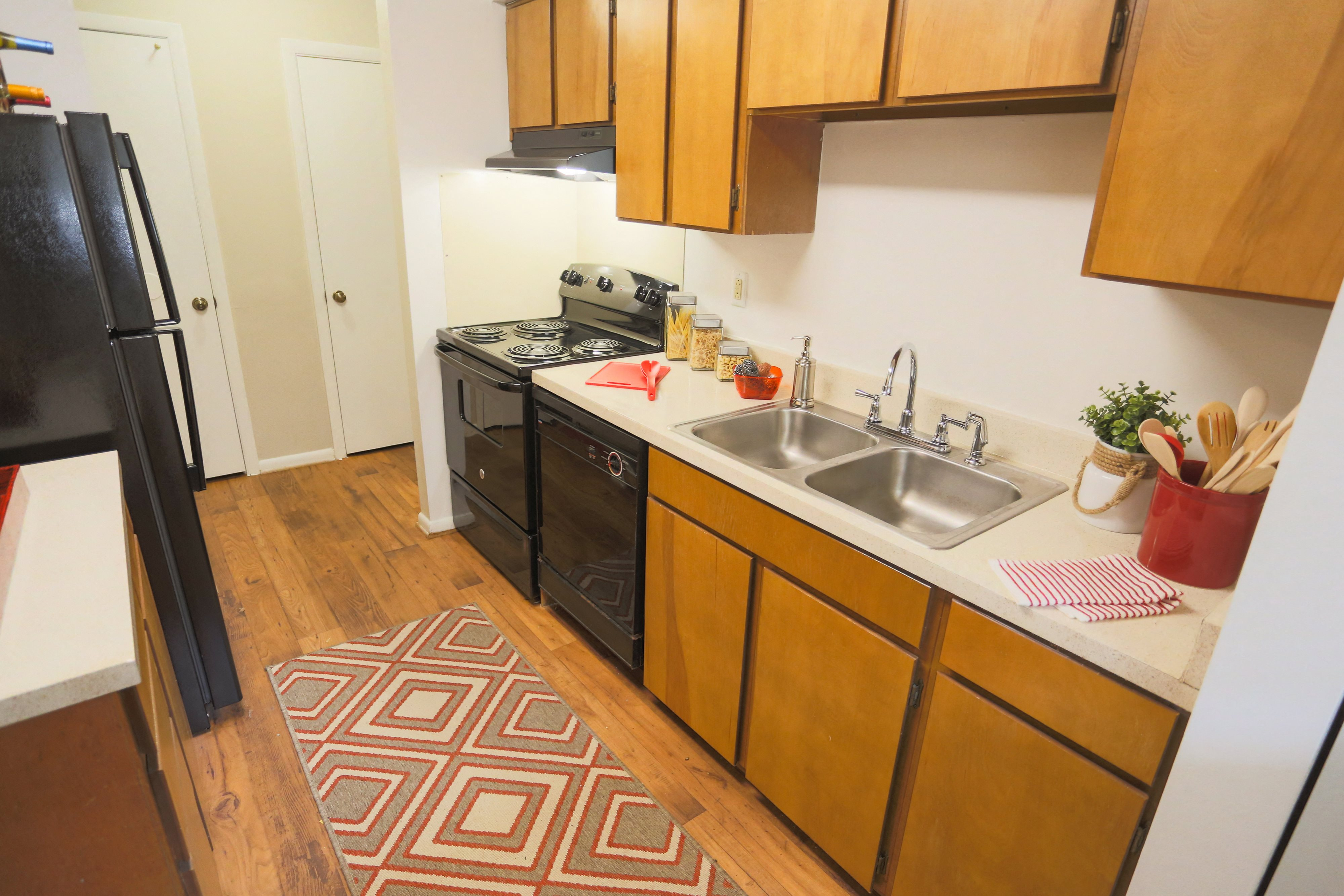 Kitchen Appliances at Sterling Beaufont Apartments