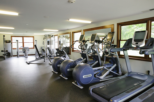 state of the art fitness center at Valley Creek Apartments, Woodbury, MN 55125