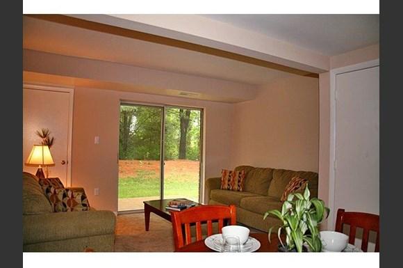 Sunnygate Village Apartments 10120 Woodbury Drive Manassas Va Rentcaf