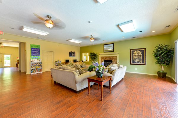 Aspen Pointe Spacious Clubhouse | Roswell, GA 30076