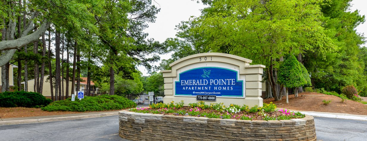 Emerald Pointe Apartment Homes Apartments In Riverdale Ga