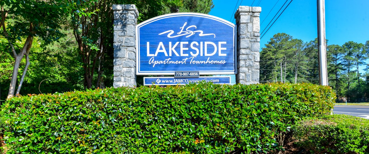 Lakeside Apartment Townhomes | College Park, GA 30349