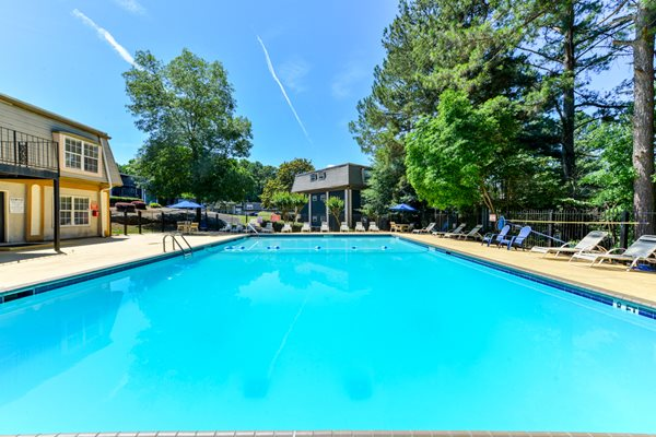 Sparkling Swimming Pool at Maplewood Pointe Apartments | Jonesboro, GA 30236