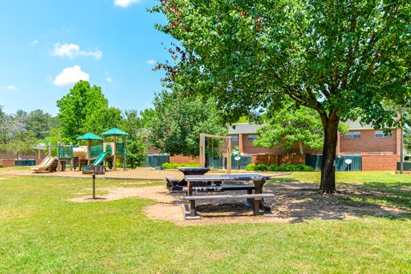 BBQ and Picnic Area at Morrowood Townhomes | Morrow, GA 30260