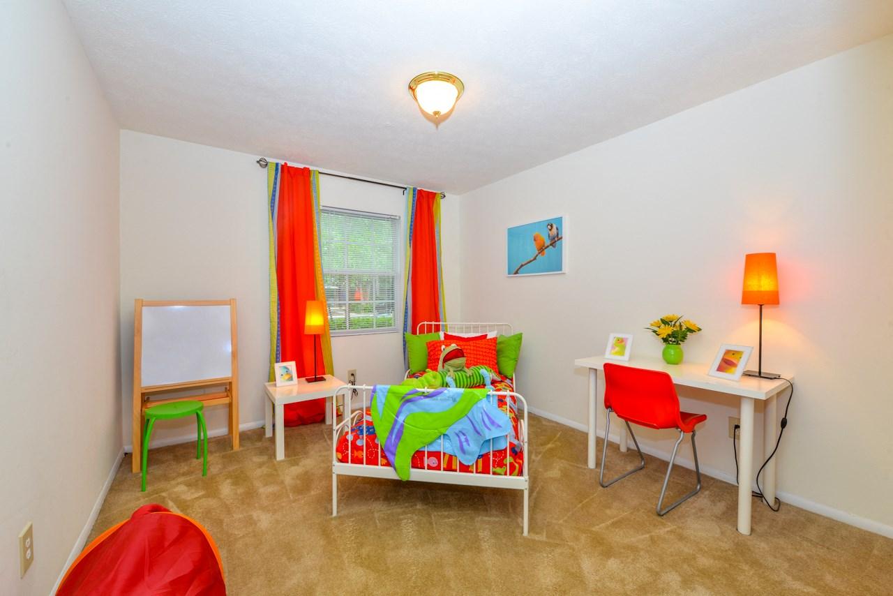 Spacious Bedroom | More for your money, affordable rental | Oak Run Apartment Homes | Jonesboro, GA 30236