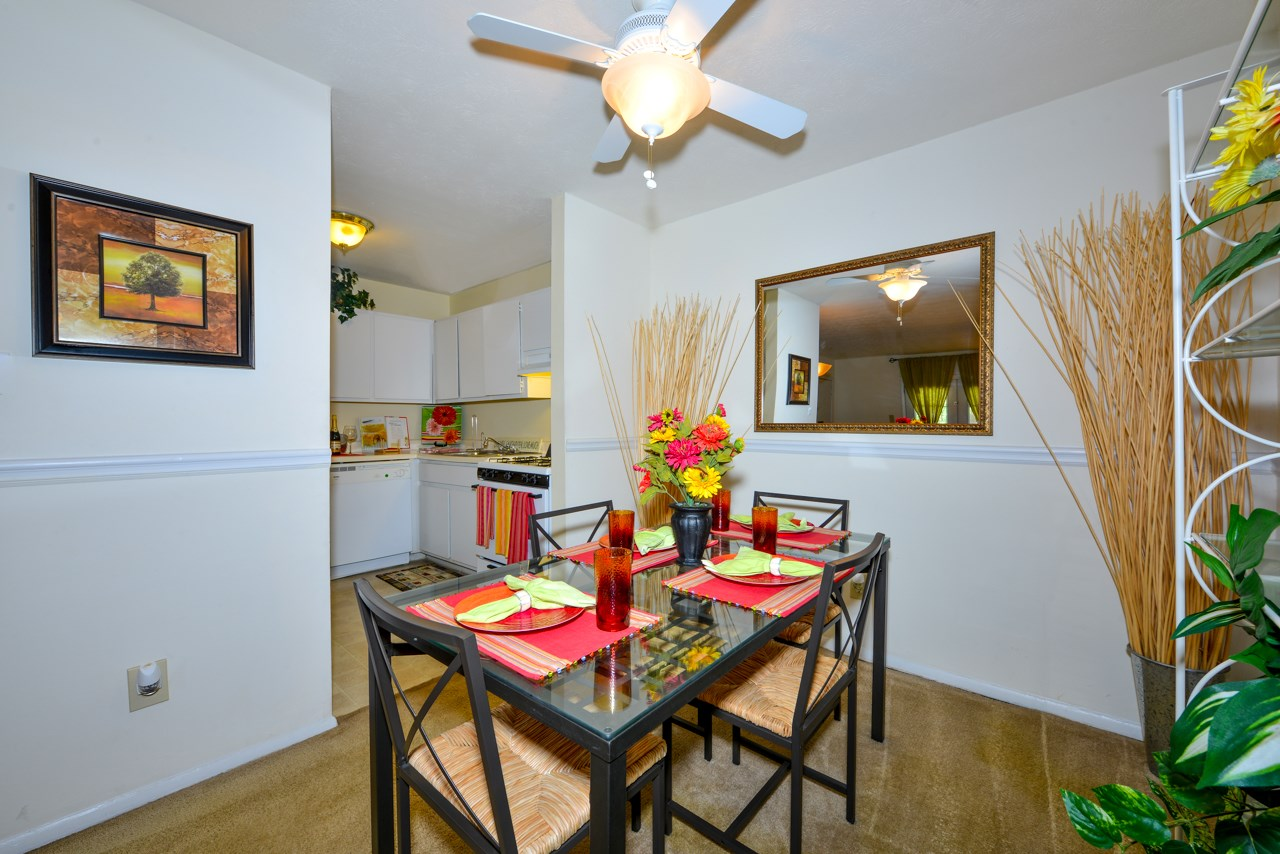 Spacious Dining Room | Energy efficient windows and doors | Oak Run Apartment Homes | Jonesboro, GA 30236