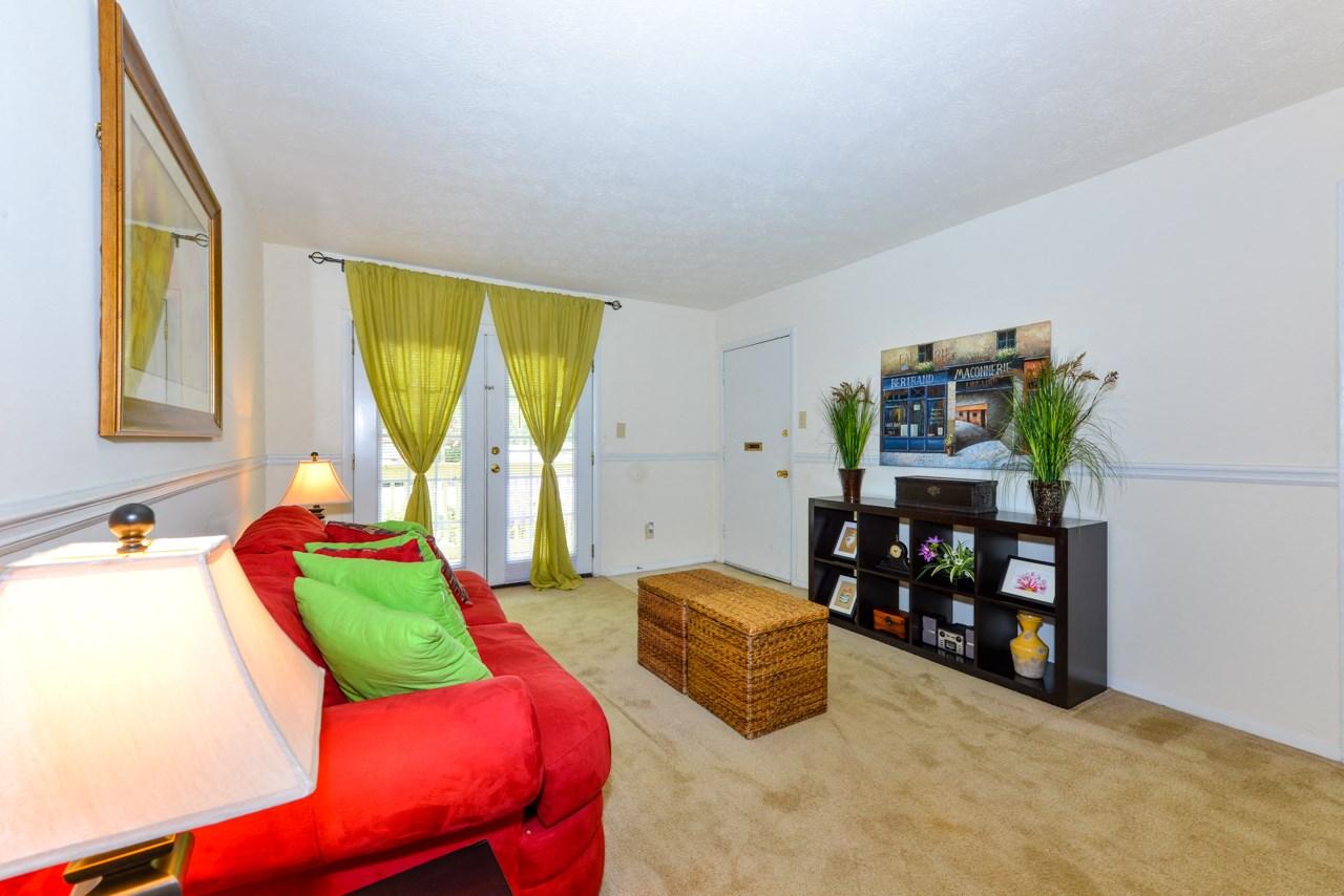 Inviting Living Room   Energy efficient windows and doors   Oak Run Apartment Homes   Jonesboro, GA 30236
