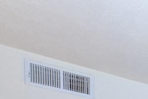 Inviting Living Room | Energy efficient windows and doors | Oak Run Apartment Homes | Jonesboro, GA 30236