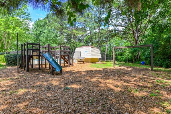 Children's Playground at Oak Run Apartment Homes | Jonesboro, GA 30236