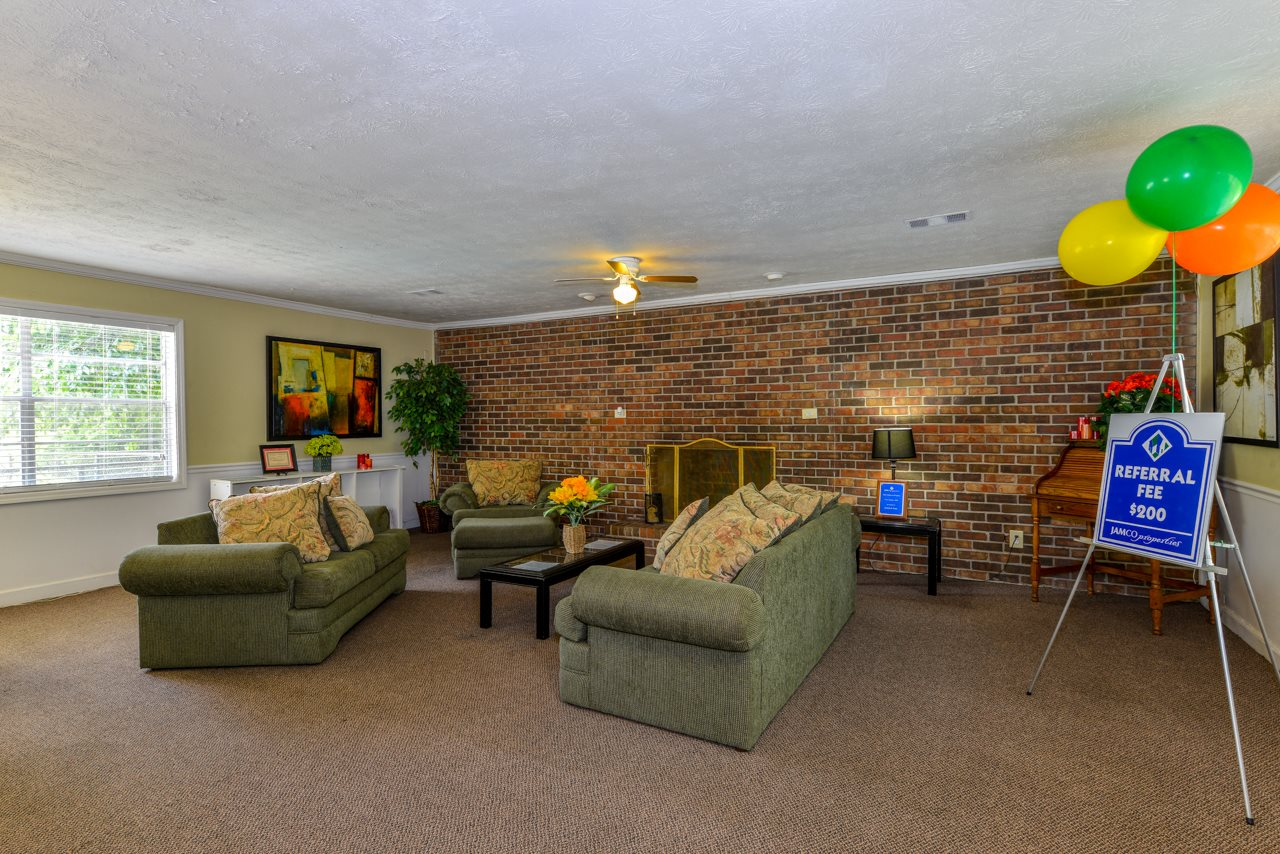 Resident Referrals Pay at Stratford Arms Apartment Homes | Riverdale, GA 30274