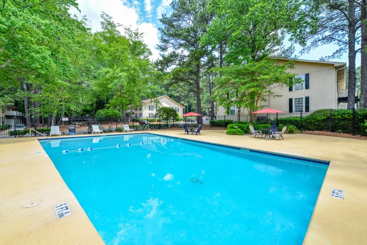 The Woods at Southlake Apartment Homes Sparkling Swimming Pool | Atlanta Apartments - affordable rates | Jonesboro, GA 30236